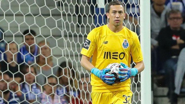 Agustín Marchesín durante un duelo con el Porto