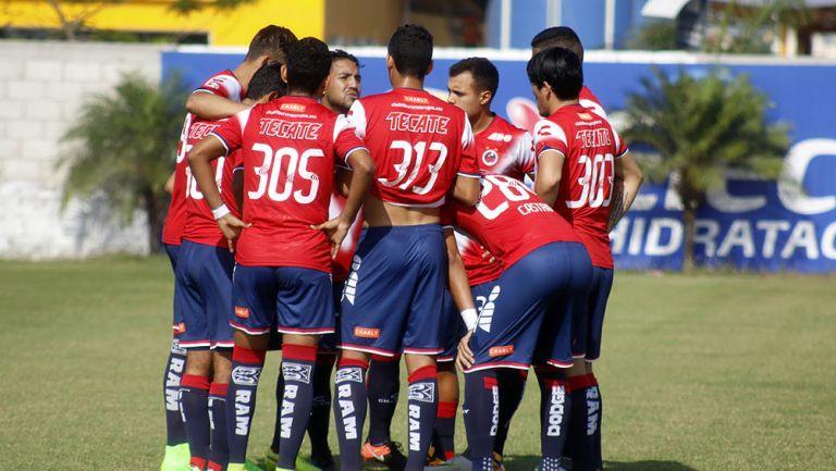 Jugadores de Veracruz previo a un partido de Sub 20