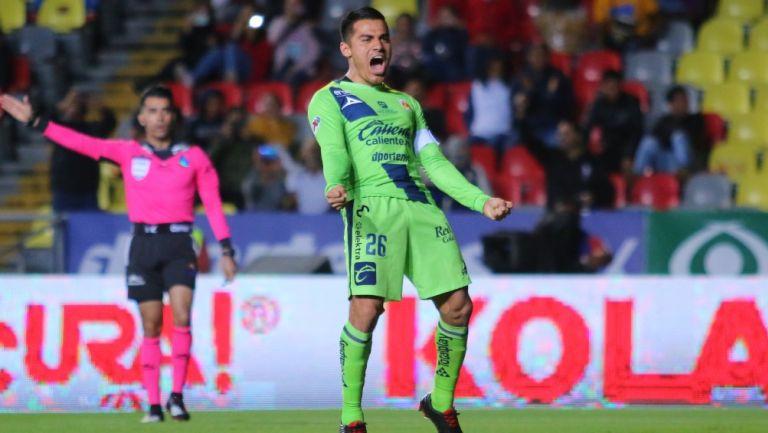 Aldo Rocha celebra un gol con Morelia