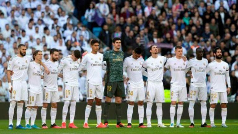 Jugadores del Real Madrid realizan homenaje