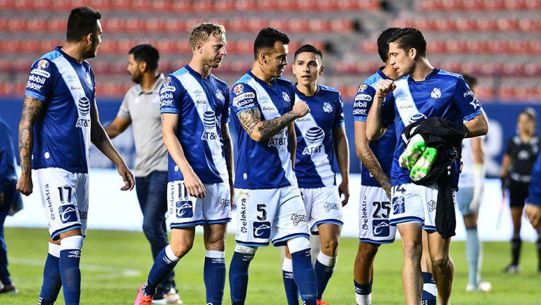 Jugadores de Puebla durante un partido