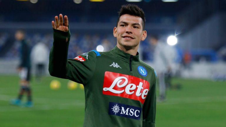 Hirving Lozano previo a un partido con Napoli