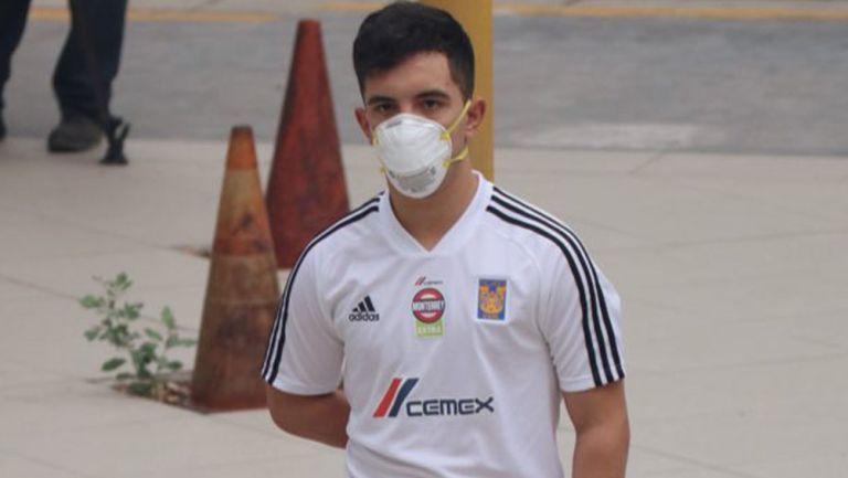 Leo Fernández llega a las instalaciones de Tigres