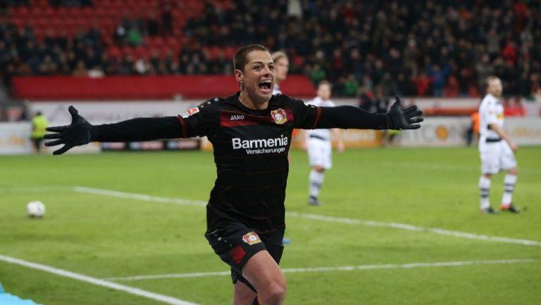 Exdirectivo del Leverkusen habló sobre el fichaje de Chicharito