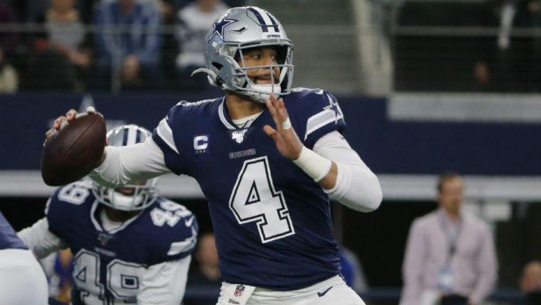 Cowboys: Dak Prescott ya firmó contrato de 'Jugador Franquicia'
