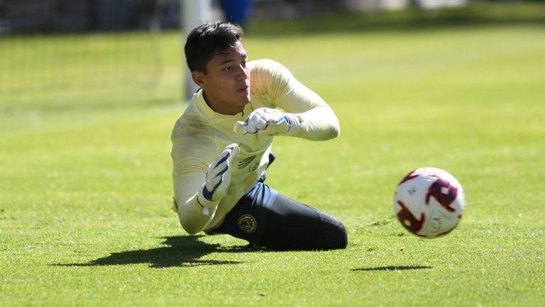 Fernando Tapia en entrenamiento con América
