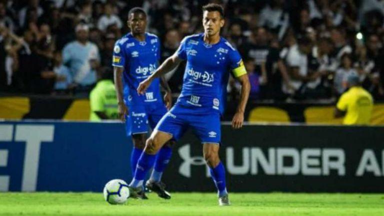 Henrique jugando con el Cruzeiro