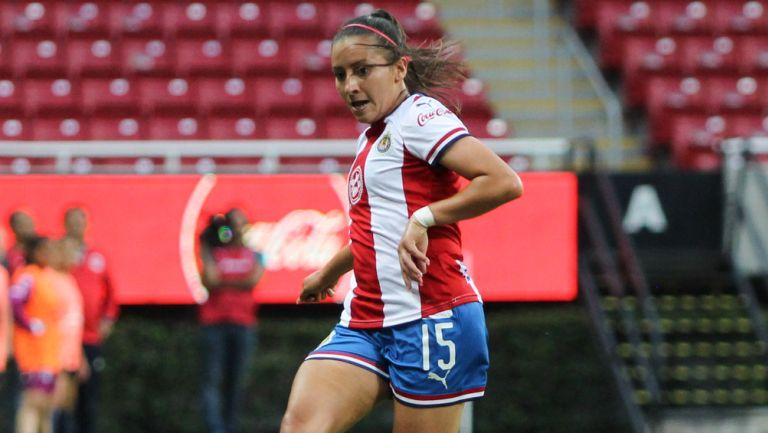 Rubí Soto durante un duelo con Chivas en Liga Femenil