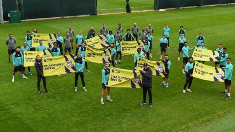 Premier League: Liverpool relizó 'minifestejo' por título