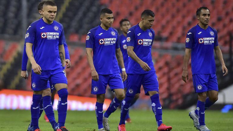 Jugadores de Cruz Azul tras duelo en Liga MX