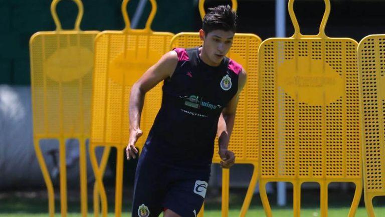 Ángel Zaldívar durante un entrenamiento con Chivas