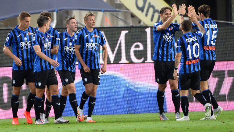 Jugadores del Atalanta celebrando un gol ante Napoli