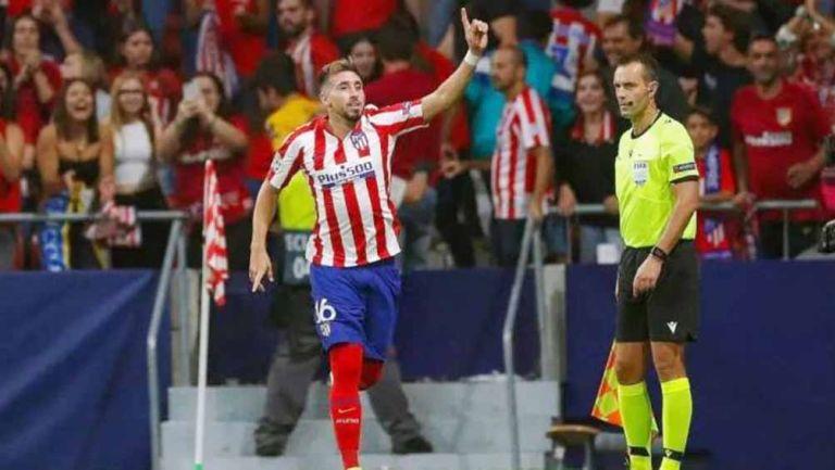 Héctor Herrera festeja gol con el Atlético de Madrid