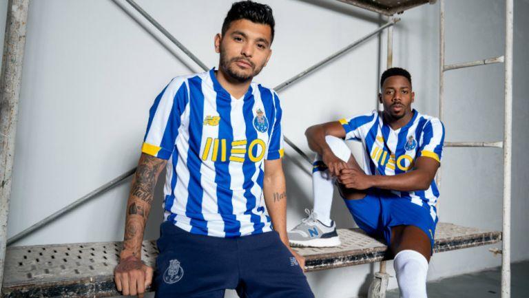 Tecatito Corona: El mexicano presumió la nueva playera del Porto para la próxima temporada