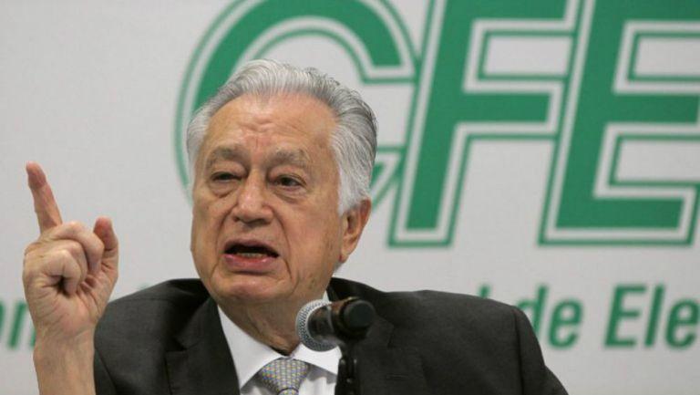 El titular de la Comisión Federal de Electricidad, Manuel Bartlett Díaz