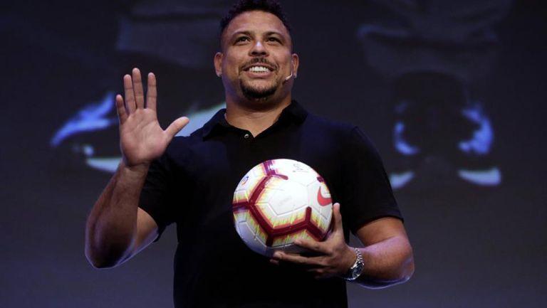 Ronaldo Nazario durante una conferencia de prensa