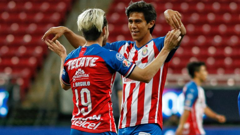 Chivas en festejo de gol