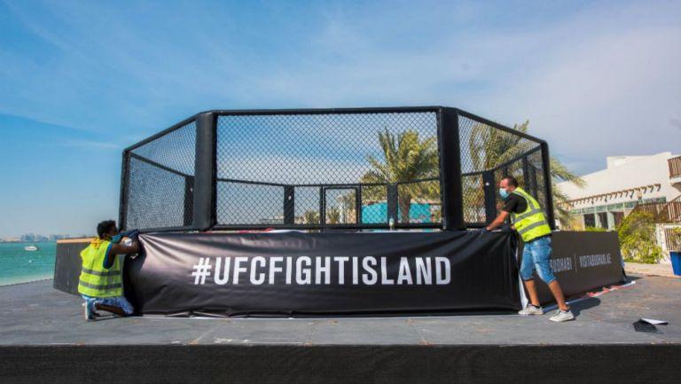 El octágono listo en Abu Dabi para el UFC 251