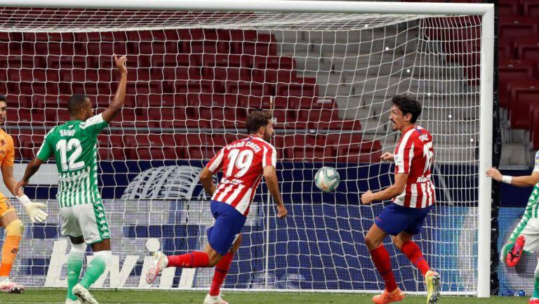 LaLiga: En duelo de mexicanos el Atlético de Madrid derrotó al Betis