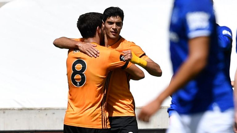 Raúl Jiménez: Igualó marca goleadora de Carlos Vela en Europa