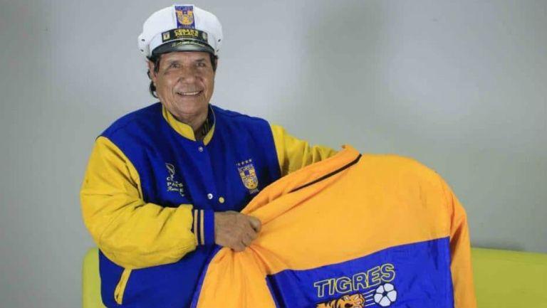 Ángel Soriano, aficioando de Tigres