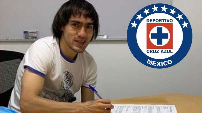 Shaggy Martínez, firma su contrato con Cruz Azul