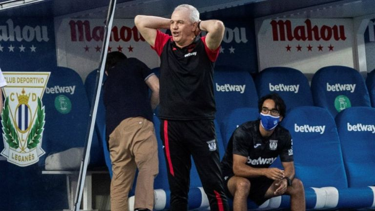 Javier Aguirre durante un partido del Leganés
