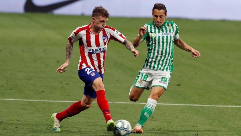 Andrés Guardado durante un partido con Betis
