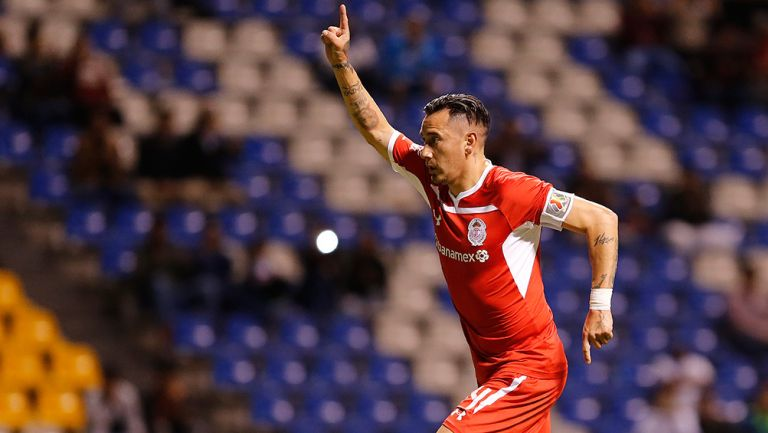 Sambueza festeja un gol con Toluca en 2018