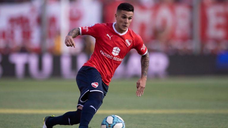Fabricio Busto durante un partido con Independiente