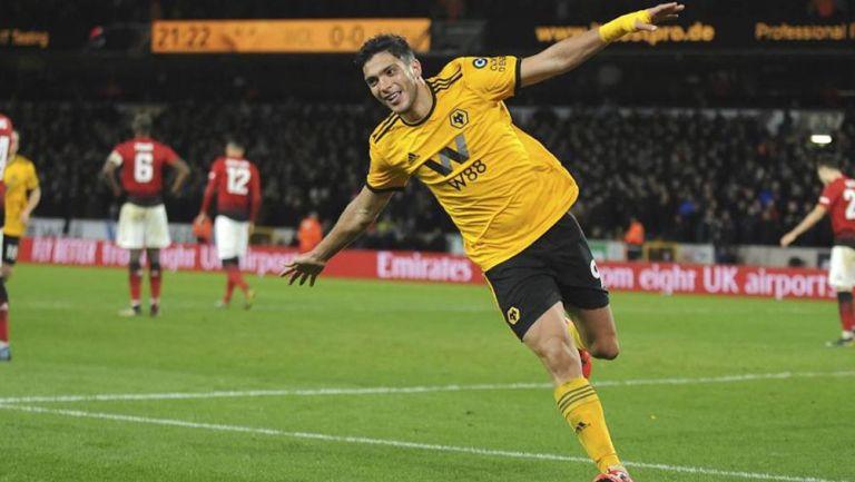 Raúl Jiménez, delantero del Wolverhampton se estrena como papá — Premier League