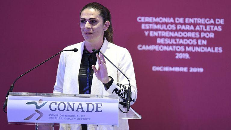 Ana Gabriela Guevara en un evento con Conade
