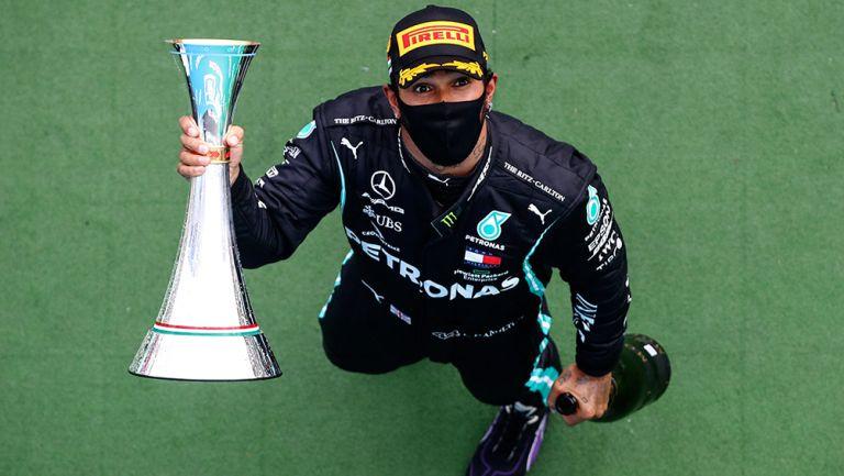 Hamilton presume su triunfo en el GP de Hungría