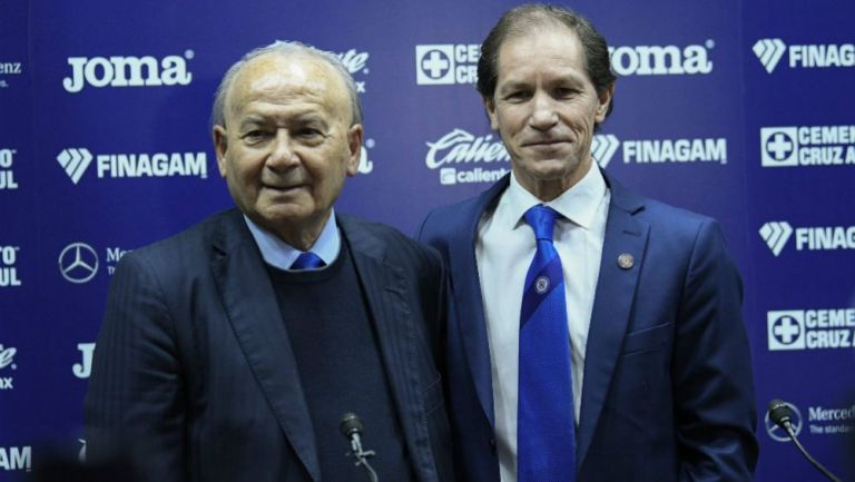 Billy Álvarez y Jaime Ordiales en conferencia de prensa