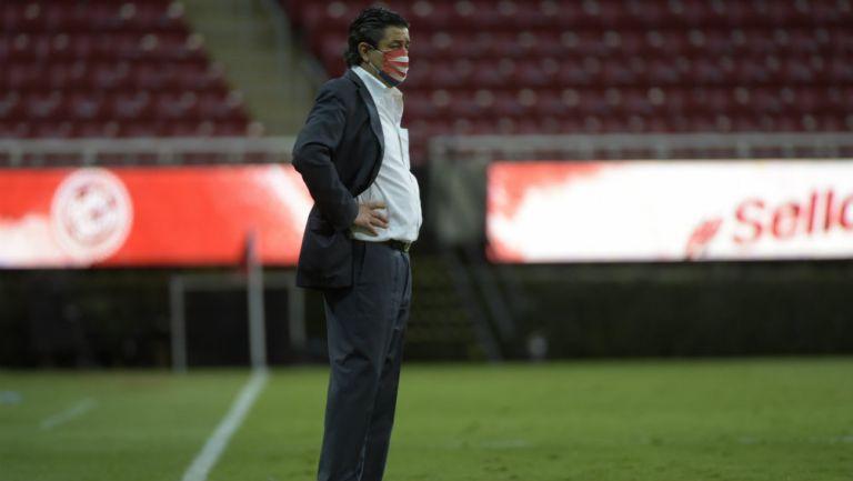 Luis Fernando Tena en partido con Chivas
