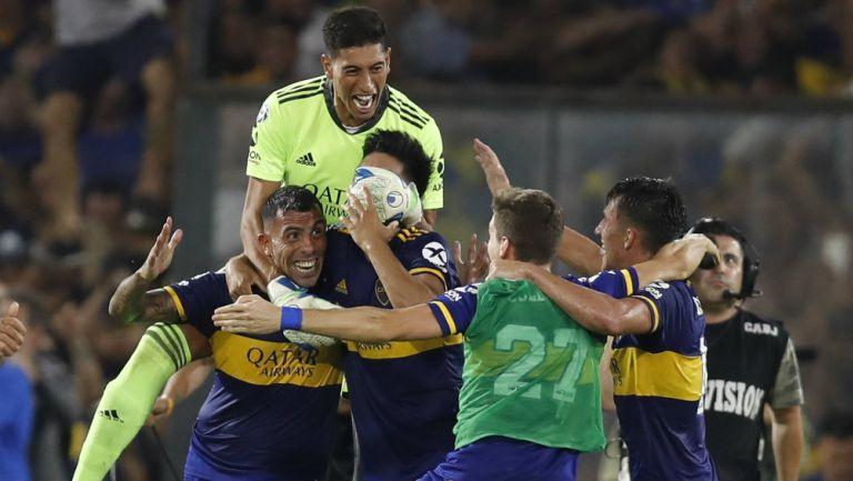 Boca Juniors en festejo de gol