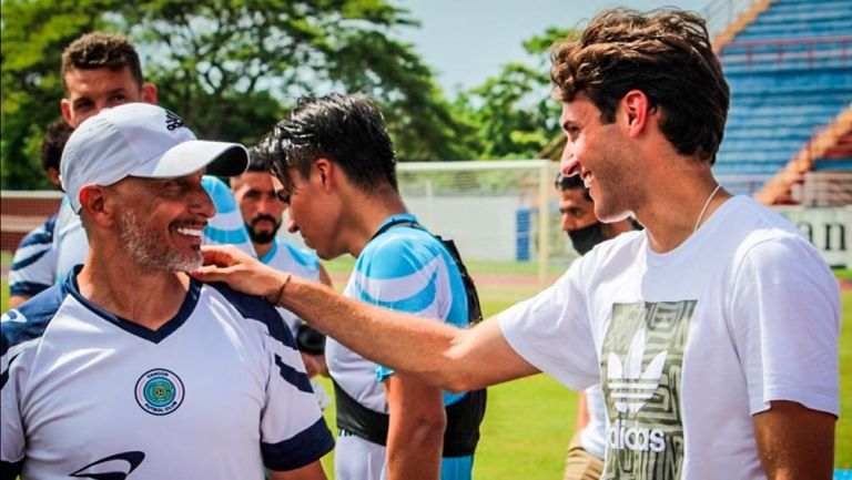 Santiago Giménez sorprendió al Chaco en práctica de Cancún FC