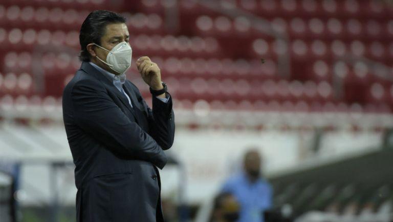 Chivas: Tena, preocupado por nula generación de oportunidades de gol