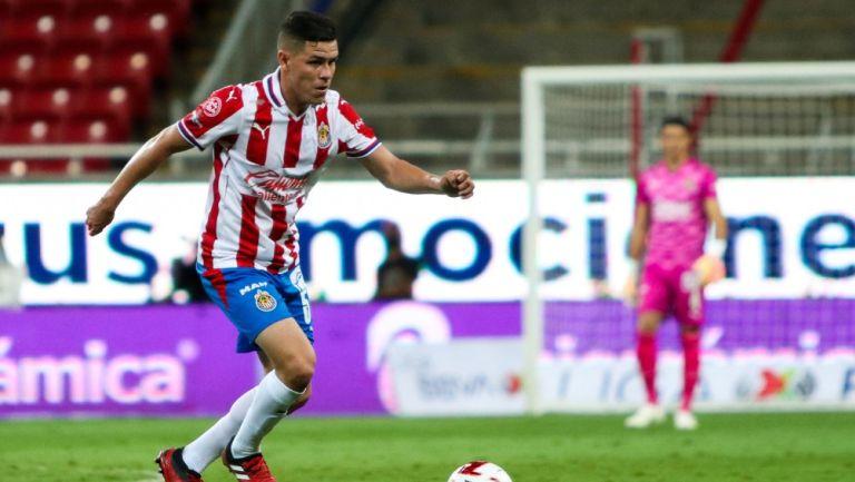 Eduardo Torres en su debut con Chivas