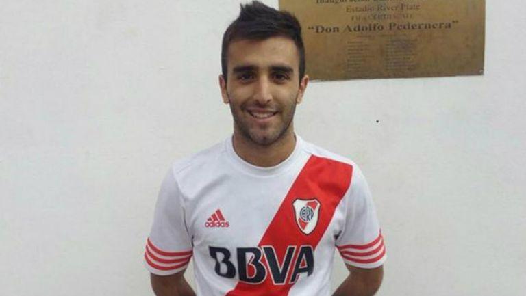 Federico Lavallén jugando con River Plate