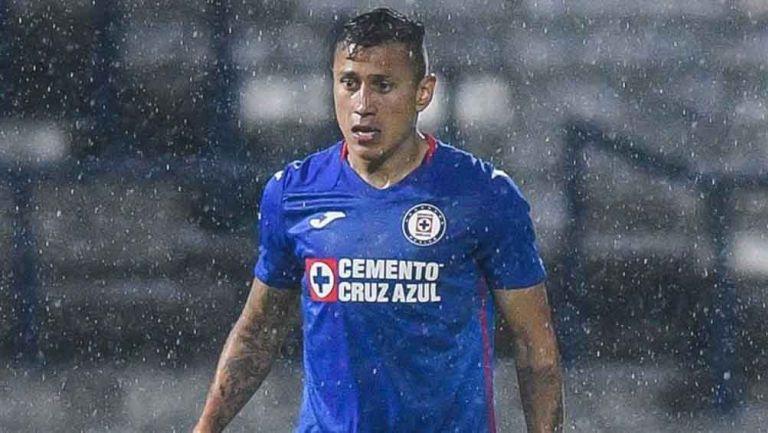 El jugador celeste en el partido contra Puebla
