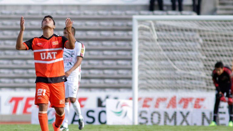 Martín Galván celebra un gol con Correcaminos