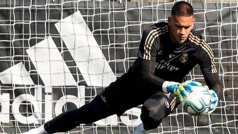 Alphonse Areola durante un entrenamiento con el Real Madrid