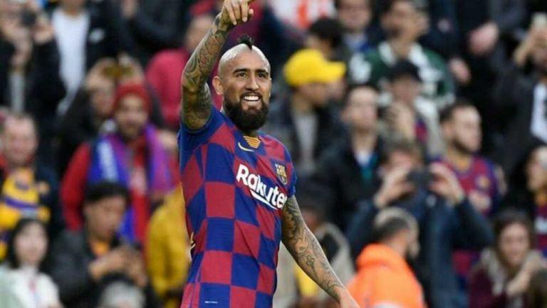 Vidal dedica su anotación a la afición del Barça