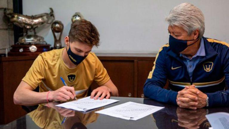 Waller firma su contrato con Pumas