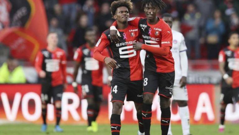 Camavinga celebrando una anotación con Rennes