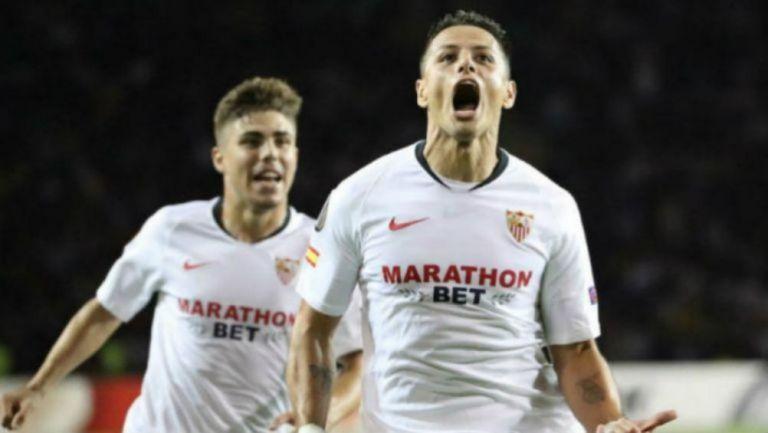 Javier 'Chicharito' Hernández celebrando una anotación con Sevilla