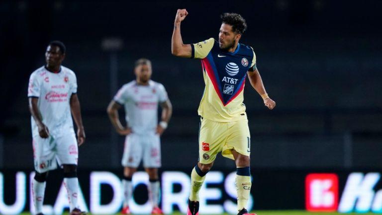Bruno Valdez durante un partido con América