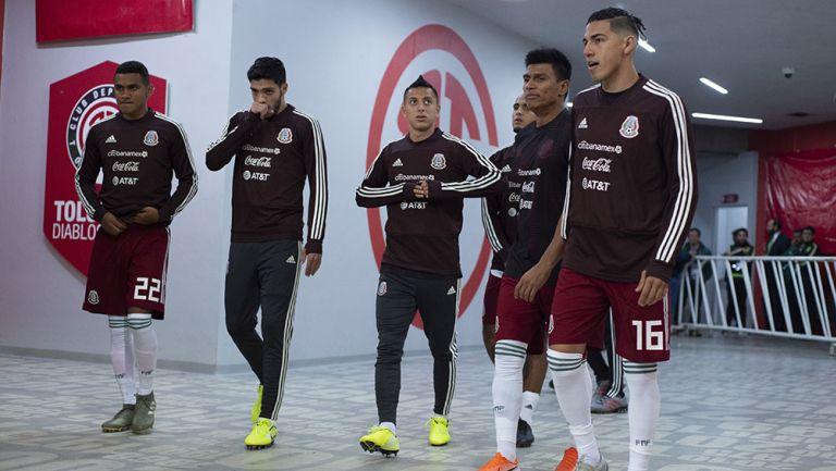 Jugadores de México previo a un partido