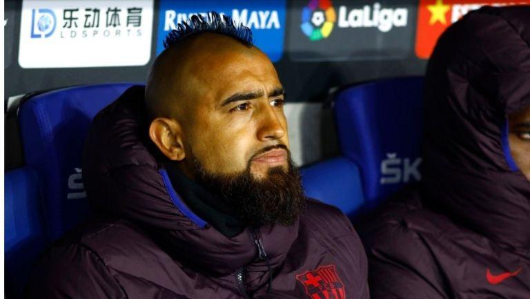Arturo Vidal durante un partido con Barcelona